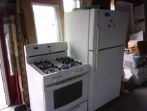 GE Refrigerator and Kenmore Gas Stove Set in Fort Riley, Kansas