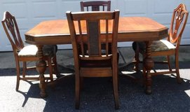 Antique (circa 1920) Dining Room Set - Table + 4 Chairs in Chicago, Illinois