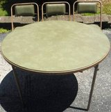 Vintage Samsonite Round folding card table + 3 Chairs in Chicago, Illinois