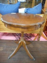 Petite End Table in Elgin, Illinois