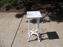 PLANT STAND MABLE TOP in Chicago, Illinois