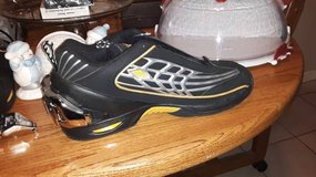 Men's Size 12 Heavy Air Workout Shoes in Vacaville, California