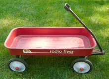 Vintage Radio Flyer Model 90 Wagon in Schaumburg, Illinois