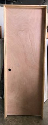 "28"" x 80"" Unfinished Right Swing Prehung Interior Door - Minor Damage in Shorewood, Illinois"