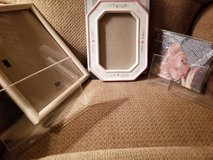 8 assorted frames from ceramic to wood in Camp Pendleton, California
