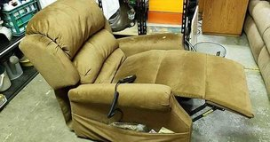 Seldons Ultra Comfort Plus Auto Lounger Recliner - Delivery Available in Fort Lewis, Washington