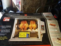 Ronco Showtme Rotisserie and BBQ Oven Model 5000 in Travis AFB, California