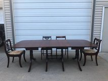 Beautiful Duncan Phyfe dining Table & 8 chairs in New Lenox, Illinois