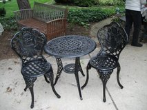 METAL BRISTOL TABLE AND 2 CHAIRS in Naperville, Illinois