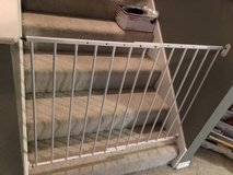 Baby gate or pet gate adjustable in Kingwood, Texas