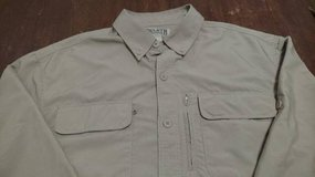 Duluth Trading Vented Men's Long Sleeve Outdoor Shirt Large Tan in Bartlett, Illinois