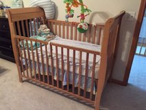 Baby Crib (Mattress Included) in Glendale Heights, Illinois