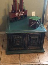 EXCELLENT!! Vintage side table/cabinet - green and bkack in Fort Bliss, Texas