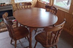 Oak table and 4 chairs in Schaumburg, Illinois