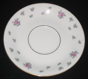 Royal Jackson Fine China Set - Rambler Rose Pattern - 77 pieces - Roses & Gold in Bolingbrook, Illinois
