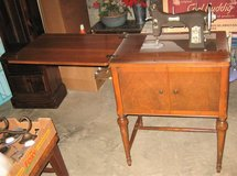 Vintage 1950's DOMESTIC Series 153 Sewing Machine in Glendale Heights, Illinois