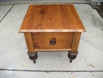 ROM WEBBER ALL WOOD END TABLE in Tinley Park, Illinois