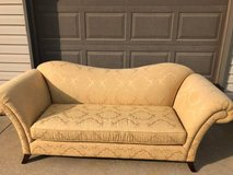 Couch excellent condition golden yellow in Chicago, Illinois