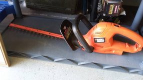 18 inch Black & Decker electric trimmer in Morris, Illinois