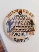 Rare Vintage 1982 MILWAUKEE BREWERS WORLD SERIES 82 Button Pin L@@K!! in Brookfield, Wisconsin