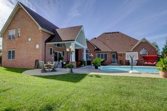 5+bedroom home w/ pool! in Clarksville, Tennessee