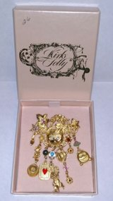 kirks folly vintage cheshire cat--alice in wonderland brooch/ pin in St. Charles, Illinois