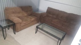 Complete Living Room Set - Like New Condition in Kansas City, Missouri