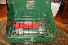 Vintage Coleman 425E Two Burner camp Stove in Spring, Texas