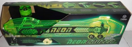 New! Yvolution Neon Green Cruzer Skateboard LED Lights Ages: 5 & Up in Orland Park, Illinois