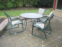 Patio Table and 4 Chairs in Joliet, Illinois
