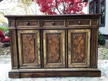: )  Heritage buffet/ bar server  Nice!!! in St. Charles, Illinois