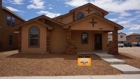 Gorgeous 4 Bedroom Home w/ Refrigerated A/C! in El Paso, Texas