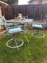 5 piece bar height patio set in Vista, California