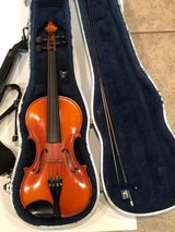 Violin Glaesel 4/4 Size #V130e4 With Hard Case, Shoulder Strap and Bow in Fort Benning, Georgia