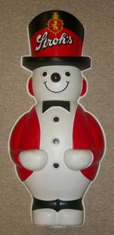 Stroh's Snowman Store Display in Westmont, Illinois