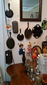 Assorted US Cast Iron Cookware (Eatonton) in Warner Robins, Georgia