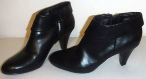 Sz 8.5M Naturalizer Black N5 Comfort Bates Zip Up Ankle Boot Heels in Chicago, Illinois