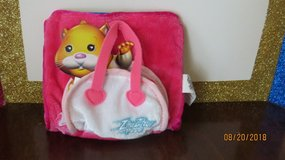 Zhu Zhu Pets Hamster Carrier/Bed and Blanket White/Pink Original in Warner Robins, Georgia