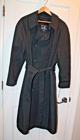 NWT - London Fog Vintage Belted Trench Coat , Zip Out Lining, Black, Sz 42 Short in Lockport, Illinois