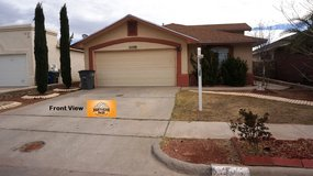 Beautiful & Spacious Home in Great Area! in Fort Bliss, Texas