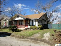3/1 fixer upper in Seguin! in Rosenberg, Texas