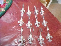 12 Silver tone Metal Shower Curtain Hooks!  Very nice! in Bellaire, Texas