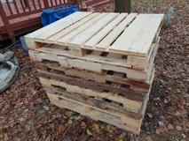 10 of 48x40 inch wooden pallets. Good condition in Westmont, Illinois