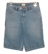 Womens 6 Levis 512 Denim Jean Bermuda Shorts in Yorkville, Illinois