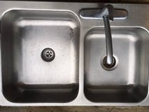 **LIKE NEW MOEN CHATEAU KITCHEN FAUCET AND DOUBLE STAINLESS SINK in Savannah, Georgia