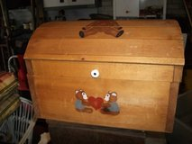 CHILDS ALL WOOD TOY BOX TOY in Tinley Park, Illinois