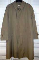 Misty Harbor Beige Trench / Rain Coat ~Removable Liner - Men's 40R in Chicago, Illinois