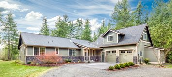Luxury Home with Acreage-Rocky Blue Acres in Fort Lewis, Washington