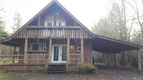Quiet Life! Large log cabin on 3.19 acres! in Fort Lewis, Washington
