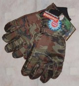 NEW NWT Artie Kuit CAMO Insulated Waterproof Extra Warm Hunting Ski Snow Gloves Mens in Chicago, Illinois